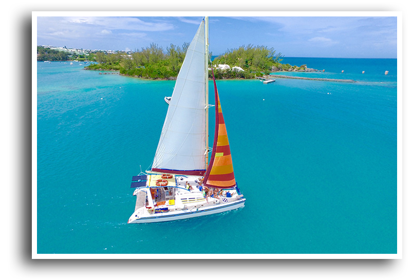 Ana Luna Catamaran offers two Private Cruise options, one for groups of six or less the other for groups up to 35 guests.